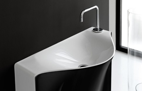 italienische badkeramik wc urinal designer waschtisch waschbecken. Black Bedroom Furniture Sets. Home Design Ideas